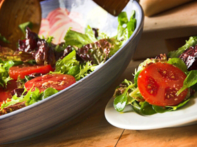 Tomato salad with a linseed dressing